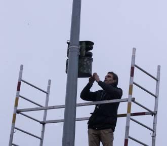 Podpatrzone w Stargardzie. Instalacja kamery monitoringu miejskiego przy parku Jagiellońskim