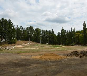 Park przy Jana Pawła II skończą dopiero w marcu
