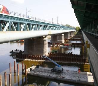 Kolejowy Most Gdański. Nowa konstrukcja jest już niemal gotowa. Po remoncie pociągi pojadą nawet