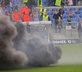 Mecz Lech-Legia zakończył się skandalem