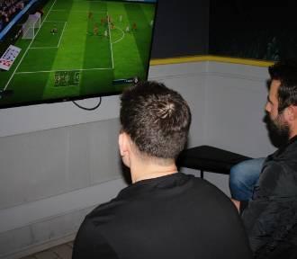 Fura Szczęścia: 4 stadiony w jednym pubie? Podczas Fifa18 Student Cup to było możliwe!