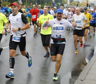 39. PZU Maraton Warszawski. Tysiące biegaczy na ulicach Warszawy! [ZDJĘCIA, GALERIA 2]