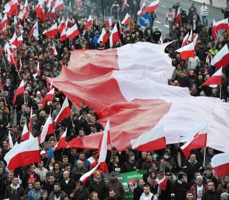 Parada, marsz, bieg. Duże utrudnienia w ruchu, zamknięte ulice we Wrocławiu (11.11.2019)