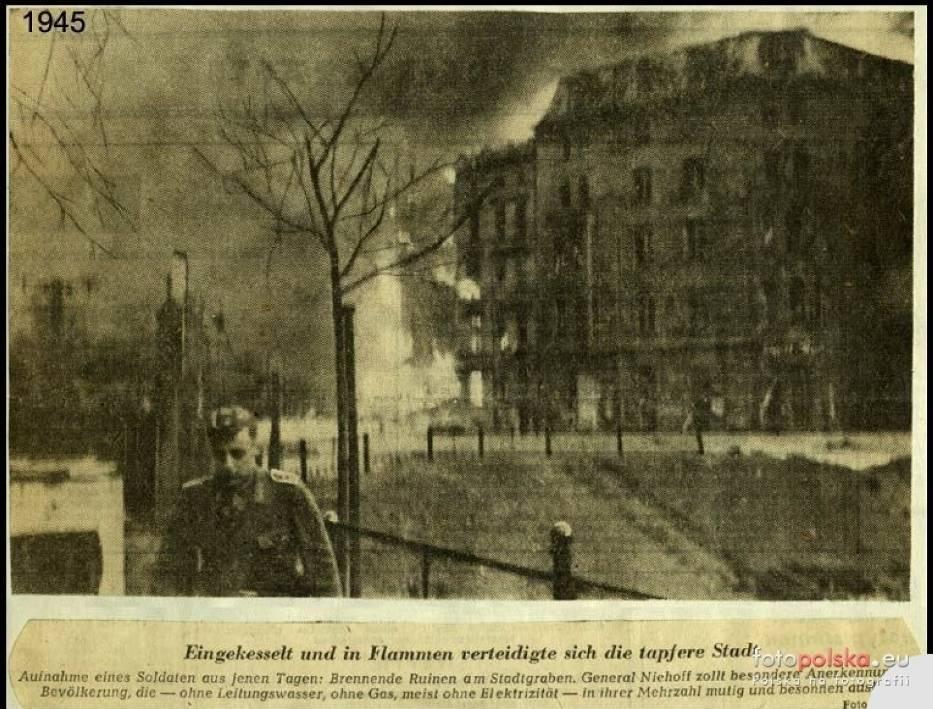 1945 , Gdzieś w płonącym mieście