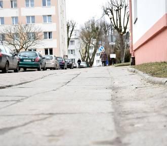 W Malborku chodzenie... bywa groźne. Nadzór budowlany zajmował się nierównym chodnikiem