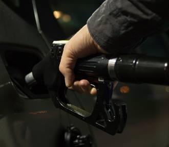 Policja Śrem poszukiwała złodzieja paliwa. Zatankował 200 litórw i odjechał