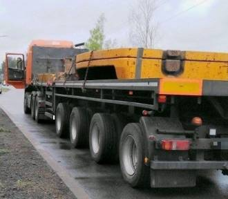 Tak niszczą drogi. Ciężarówka cięższa o 19 ton niż powinna
