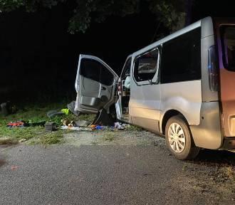 Wypadek na DK 11, osiem osób odwieziono do szpitali w Pile i Chodzieży.