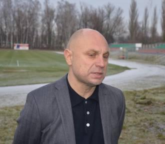 RKS Lechia Tomaszów Maz. dziękuje trenerowi Bogdanowi Jóźwiakowi (foto