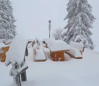 IMiGW ostrzega. Intensywne opady śniegu! Spadnie go nawet 15-20 cm