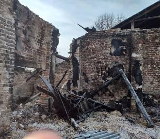 Pożar w gm. Złoczew. Jest zbiórka dla poszkodowanej rodziny [FOTO]