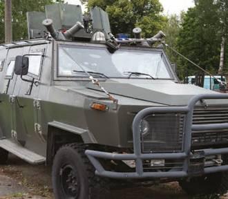 Wojsko wyprzedaje wozy opancerzone, ciężarówki, a nawet czołgi!