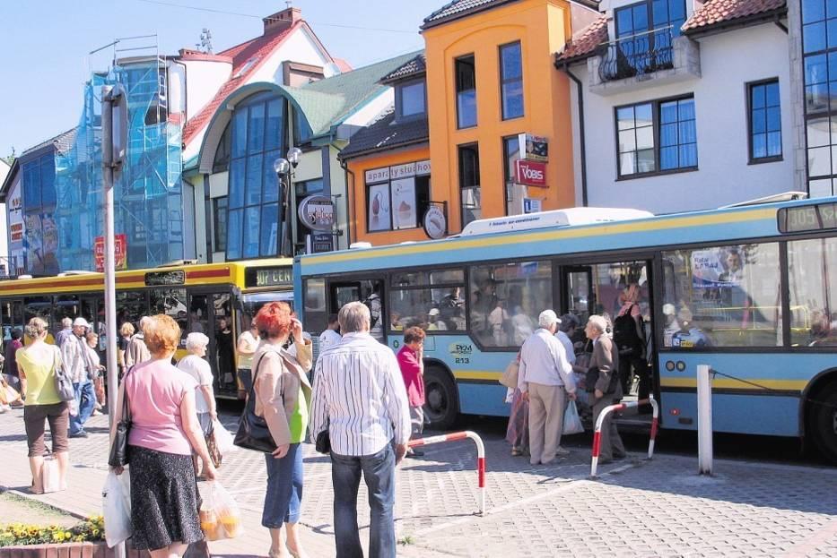 Pasażerowie jaworznickiego PKM korzystają ze starego taboru i czekają na nowe autobusy