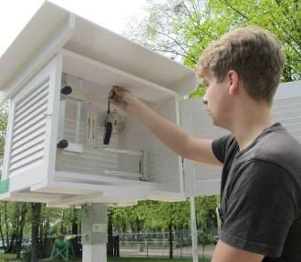 W poznańskiej szkole powstała stacja meteorologiczna - uczniowie mogą nią mierzyć np. smog