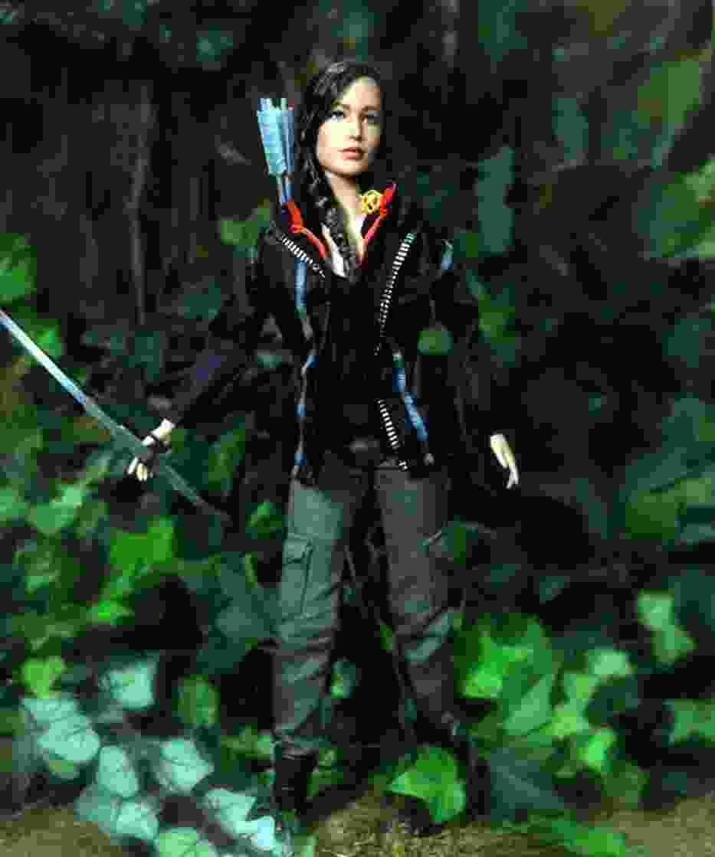 Lalka autorstwa Noela Cruza - Katniss