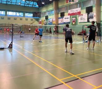 Badminton we Władysławowie. Bliza z medalami Marty Czajki i Adama Fikusa
