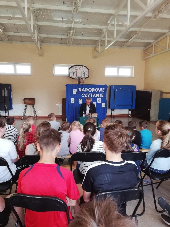 Narodowe Czytanie w Sędzimirowicach