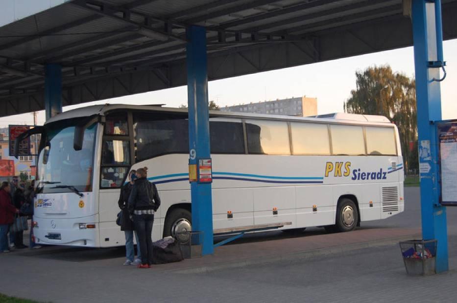 Pasażerowie tego kursu czuja się bezpiecznie wsiadając do tego autobusu, identyczne czuł się 15 latek wsiadając do autobusu dziś rano