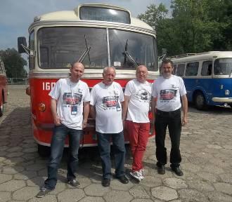Zabytkowy kaliski SAN H100B zachwycał w weekend mieszkańców Warszawy [FOTO]