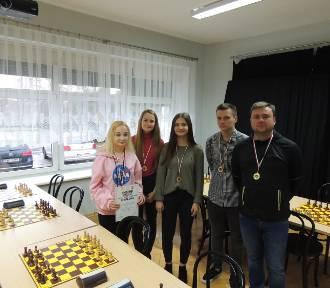 II LO w Wieluniu najlepsze w mistrzostwach powiatu wieluńskiego w szachach[FOTO, WYNIKI]