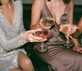 Sukienka na sylwestra: jak dobrać kreację sylwestrową do swojego typu sylwetki?