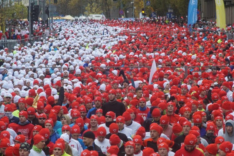 Bieg Niepodległości Poznań 2018. Ruszyły zapisy na 3 bieg z biało-czerwoną flagą 11 listopada