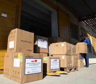 3 tony środków ochrony z Chin dotarły do pomorskich szpitali