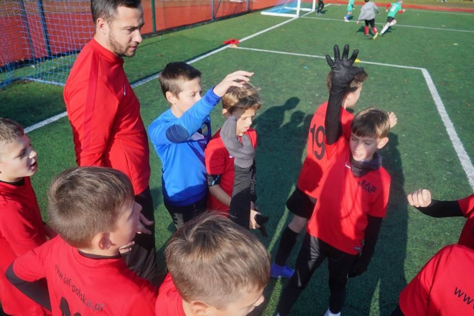 """Rozgrywki """"Z Podwórka na Stadion o Puchar Tymbarku"""" to nie tylko rywalizacja, ale też propagowanie piłki nożnej w mniejszych miastach"""