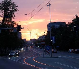 TOP 15. Tu lubią szaleć piraci drogowi we Wrocławiu (LISTA)
