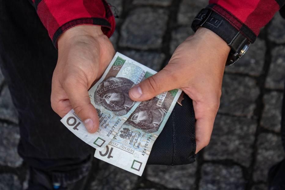 Masz takie 10 zł? Możesz zarobić fortunę! Sprawdź numer seryjny swojego banknotu! Warto!