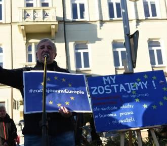 """Manifestacja w Częstochowie pod hasłem """"My zostajemy w Unii"""""""