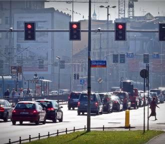 Zobacz. Oto najbardziej zakorkowane miejsca w centrum Wrocławia [TOP 10]