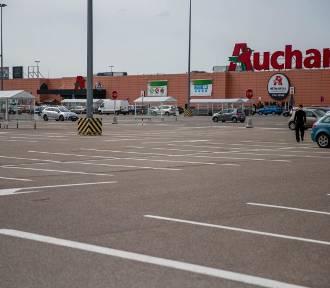 Pracownik Auchan w Gdańsku: Firma nie przestrzega wytycznych i zaleceń sanepidu