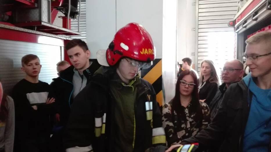 Grupa z Gubina zwiedziła nową komendę powiatową policji w Krośnie Odrzańskim