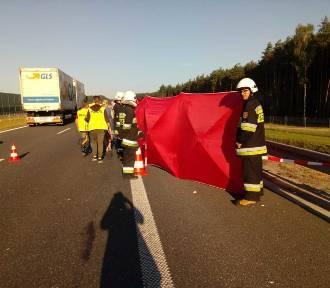 Tragedia pod Kępnem. 30-latek zginął niosąc pomoc [FOTO]