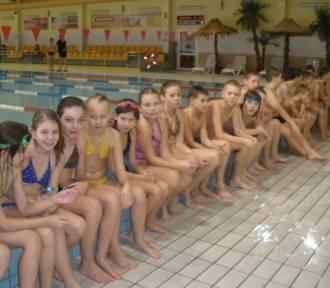 Kościan. Kontynuacja zajęć nauki pływania dla najmłodszych