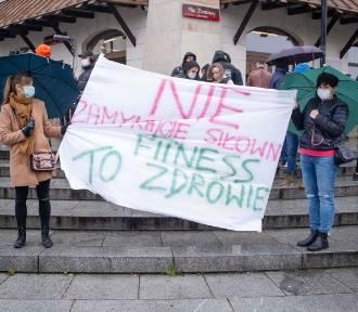Lockdown w Polsce do kwietnia? Rząd zapowiada długie obostrzenia