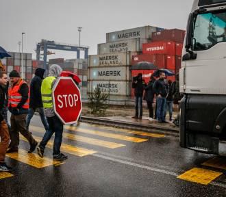 Protest przewoźników przed DCT [zdjęcia]