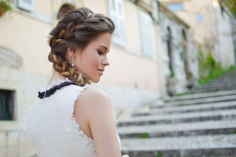 Sprawdź idealną dla siebie fryzurę, która zapisana jest w gwiazdach