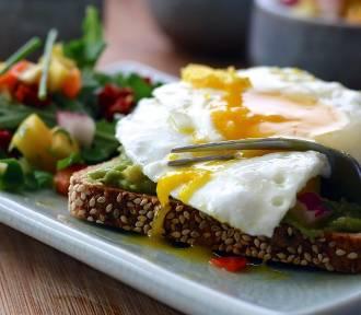 Gdzie zjeść dobre śniadanie w Warszawie? Polecamy najlepsze śniadaniownie w stolicy [PRZEGLĄD]