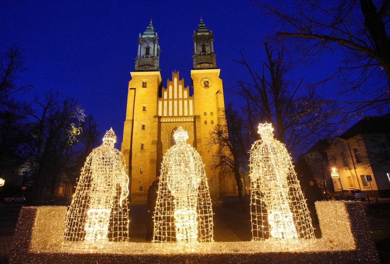 Świąteczne iluminacje na Ostrowie Tumskim i Śródce w Poznaniu
