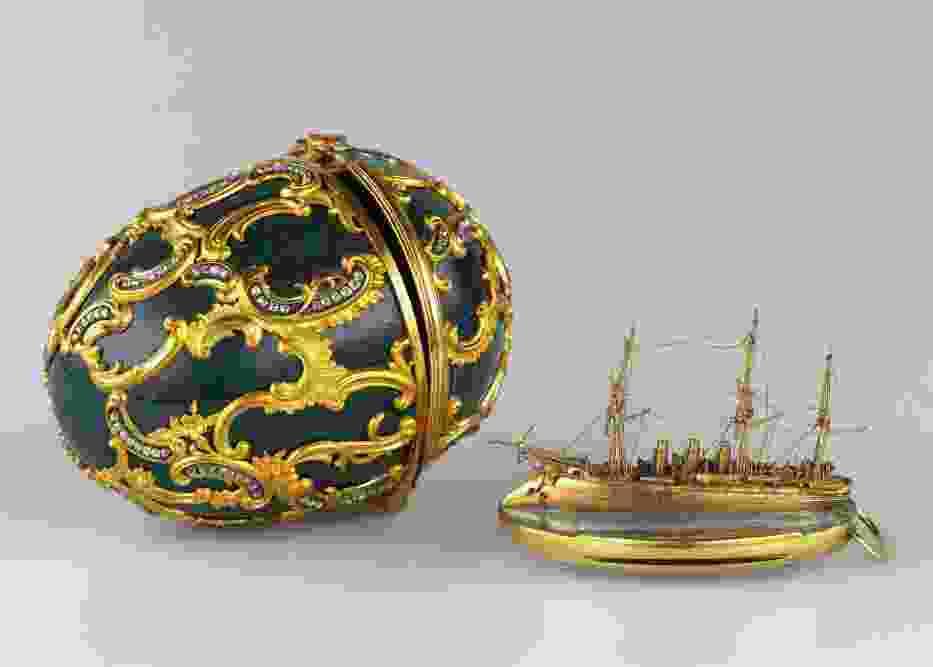 Jajko Faberge z miniaturką okrętu Pamięć Azowa