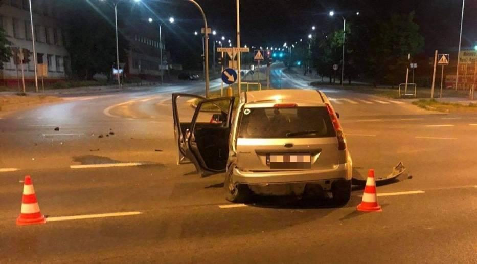 Wypadek na skrzyżowaniu ulic Krakowskiej i Jagiellońskiej w Kielcach. Nastolatka trafiła do szpitala