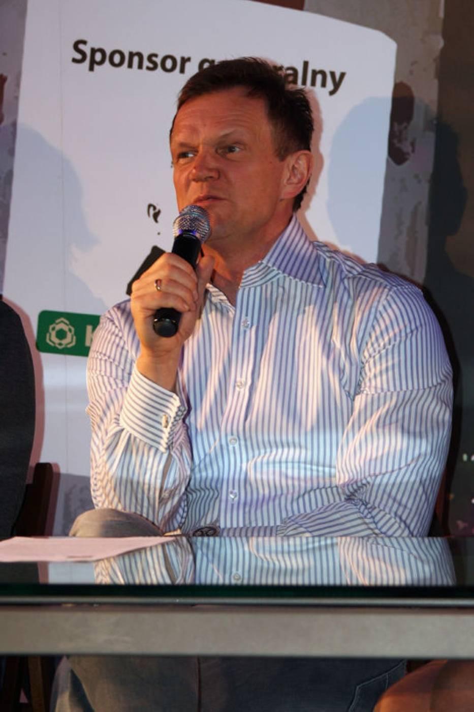 Cezary Pazura podczas konferencji prasowej
