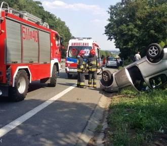 Wypadek w Mikołowie na DK 44. Zderzyły się dwie osobówki, kierowca był pijany [ZDJĘCIA]