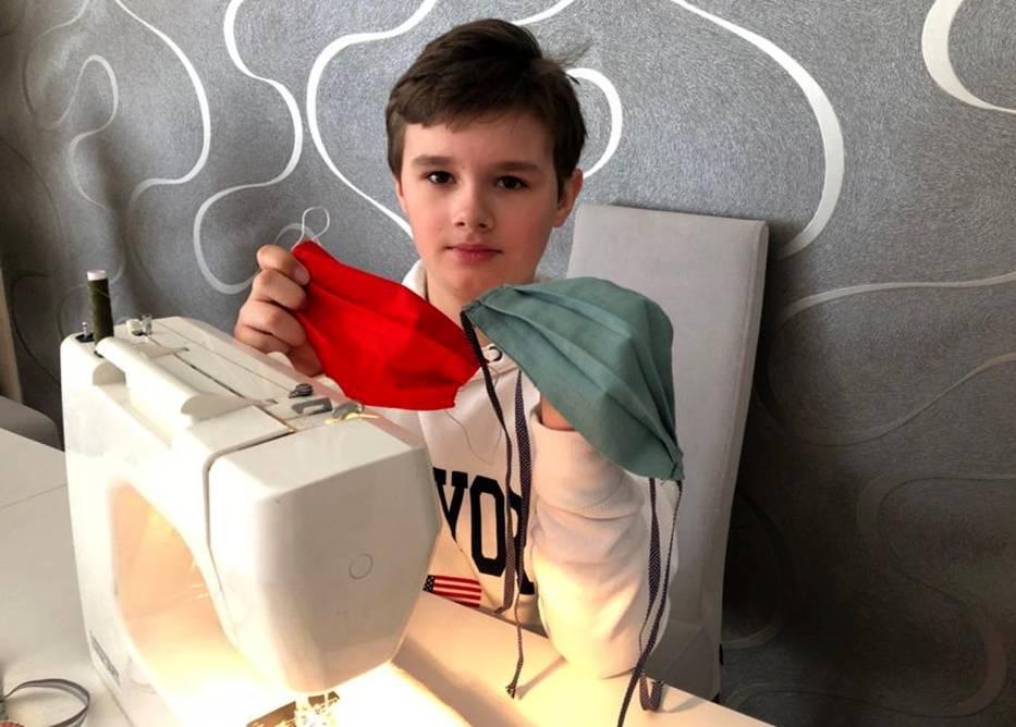 10-letni Jakub ze Szczecina postanowił nauczyć się szyć