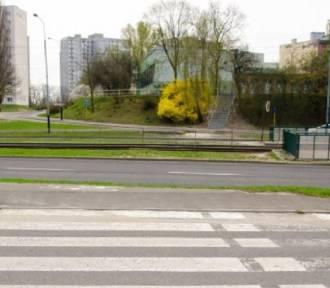 Nowe pasy skrócą drogę na przystanek na Ratajach