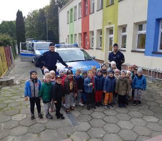 Policjanci spotkali się z przedszkolakami w Sztumie - uczyli zasad ruchu drogowego