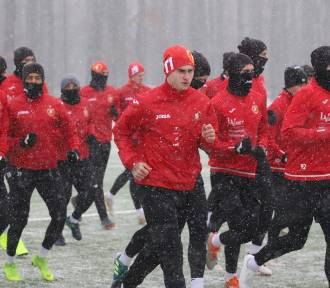 25 piłkarzy na pierwszym treningu Widzewa (ZDJĘCIA)