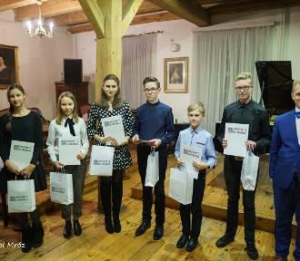 """Fundacja """"Inicjatywa dla Opatówka"""" zorganizowała Galę Muzyki Polskiej"""